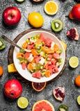 Tropikalny jedzenie Tropikalna owocowa sałatka Obraz Stock