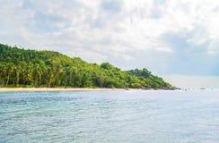 Tropikalny las, denny wybrzeże i góry, Obrazy Royalty Free