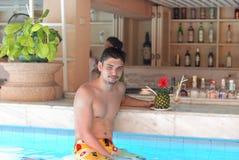 tropikalny mężczyzna prętowy basen Fotografia Stock