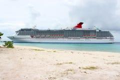 tropikalny plażowy statek obrazy stock