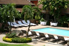 tropikalny poolside fotografia royalty free