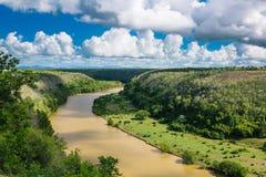 Tropikalny rzeczny Chavon, republika dominikańska Odgórny widok Zdjęcia Stock