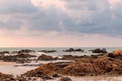 Tropikalny seascape w Rayong, Tajlandia Zdjęcia Stock
