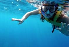 Tropikalny snorkeler Zdjęcia Royalty Free