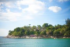 Tropikalny wyspy wybrzeże Zdjęcia Royalty Free