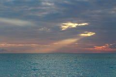 Tropikalny zmierzch w wyspie karaibskiej, Bahamas obraz royalty free