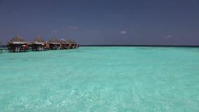 Tropisch eiland bij oceaan maldives Stock Foto's