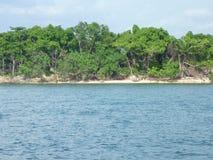 Tropisch eiland in de zon Stock Afbeeldingen