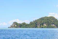 Tropisch eiland en Heldere hemel, Thailand Royalty-vrije Stock Afbeelding
