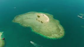 Tropisch eiland met zandig strand Palawan, Filippijnen stock videobeelden