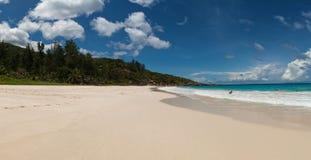 Tropisch eiland oceaanlandschap Royalty-vrije Stock Afbeeldingen