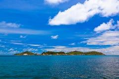 Tropisch eiland in Seychellen stock afbeelding