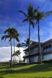Tropisch Flatgebouw met koopflats Stock Foto