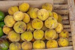 Tropisch fruit Sandoricum koetjape, Filippijnen royalty-vrije stock fotografie