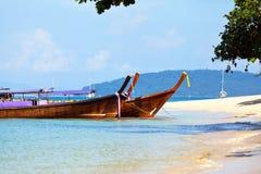 Tropisch strand, Andaman Overzees, Thailand Stock Foto's