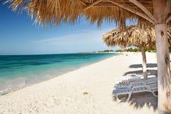 Tropisch strand bij het Caraïbische eiland Stock Afbeelding
