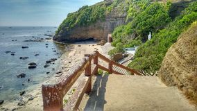 Tropisch strand bij Vreedzame Oceaan Royalty-vrije Stock Foto