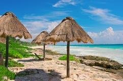 Tropisch strand in Caraïbische overzees, Yucatan mexico Stock Foto's