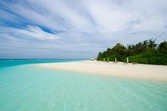 Tropisch strand in de Maldiven Stock Afbeelding