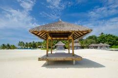 Tropisch strand in de Maldiven Royalty-vrije Stock Afbeeldingen