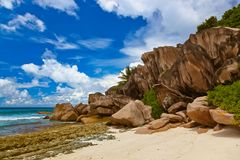 Tropisch strand in Seychellen royalty-vrije stock foto