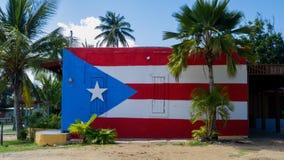 Tropisch weghoogtepunt van palmen royalty-vrije stock afbeelding