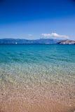 Tropisch zonnig strand voor vakantie Stock Afbeelding