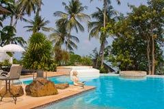 Tropisch zwembad in Thailand Stock Foto