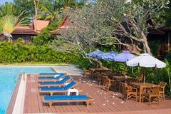 Tropisch zwembad in Thailand Stock Fotografie