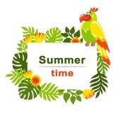 Tropische achtergrond met palmbladen, exotische bloemen en kleurrijke papegaai royalty-vrije illustratie