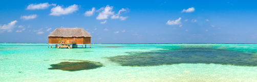 Tropische Flitterwochensuite lizenzfreie stockbilder
