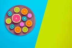 Tropische Frucht des Mode-Sommers Minimaler Art Concept stockfotos