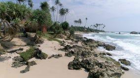Tropische Küste Rocky Beach Aerial 4k stock video