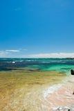 Tropische kustachtergrond royalty-vrije stock afbeelding