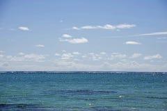 Tropische lagune, Indische Oceaan. royalty-vrije stock fotografie
