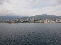 tropische Landschaft im traditionellen Bereich von Acapulco, Mexiko lizenzfreies stockbild