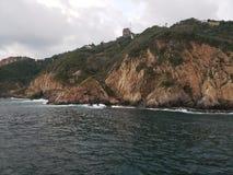 tropische Landschaft im traditionellen Bereich von Acapulco, Mexiko stockfotografie