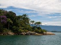 Tropische Landspitze, Brasilien. Stockfotografie