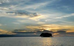 Tropische mariene zonsopgang Royalty-vrije Stock Foto's