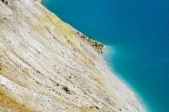 Tropische overzees en rotsen op het strand Royalty-vrije Stock Fotografie