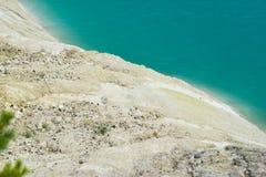 Tropische overzees en rotsen op het strand Royalty-vrije Stock Afbeelding