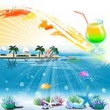 Tropische overzeese themaachtergrond met cocktail en tekstgebied Stock Afbeelding