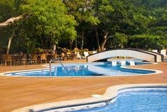 Tropische Pools weit Lizenzfreie Stockbilder
