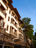 Tropische Rücksortierung mit lanai Patio u. Balkon Stockfotografie