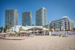 Tropische Rücksortierung Puerto Vallarta Bester Strand in Mexiko Der Ozean-Ansicht Lizenzfreie Stockbilder