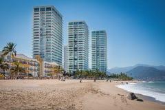 Tropische Rücksortierung Puerto Vallarta Bester Strand in Mexiko Der Ozean-Ansicht Lizenzfreie Stockfotografie
