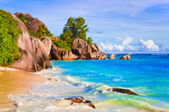 Tropische strandBron D'Argent in Seychellen Stock Afbeeldingen