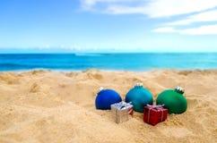 Tropische strandkerstmis en Nieuwjaarachtergrond Royalty-vrije Stock Afbeelding