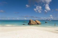 Tropische strandscène Royalty-vrije Stock Afbeelding