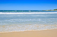 Tropische Strandszene Lizenzfreie Stockfotos